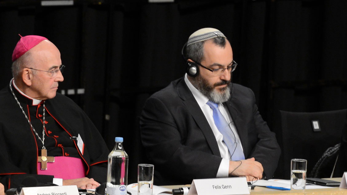 Bischof Genn und Rabbiner Avichai Apel beim Weltfriedenstreffen von Sant'Egidio 2017 in Münster.