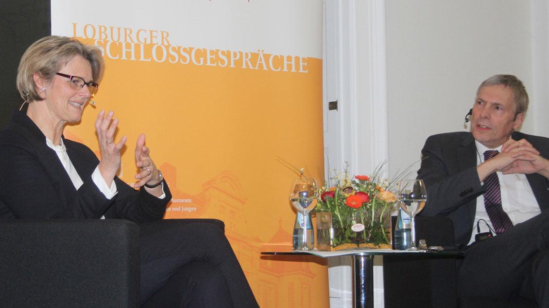 Bundesbildungsministerin Anja Karliczek im Gespräch mit William Middendorf
