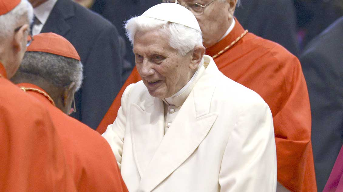 Benedikt XVI. im Petersdom