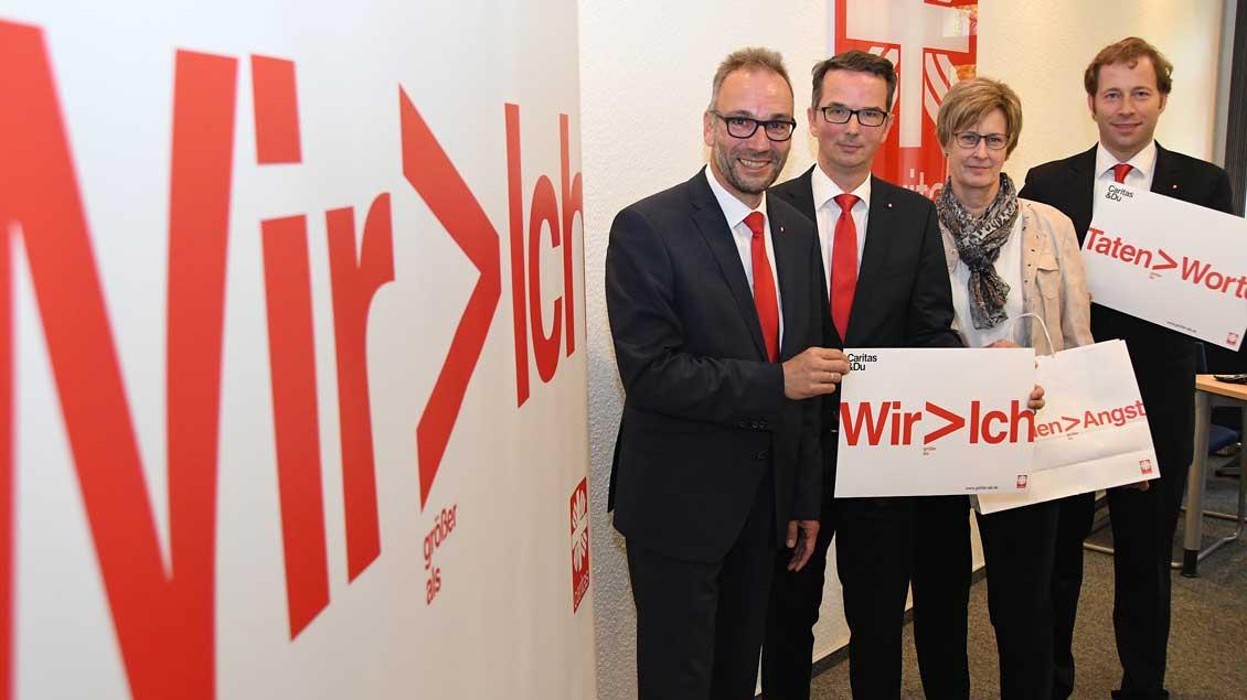 Pflegewissenschaftler Martin Pohlmann, Caritas-Direktor Gerhard Tepe, Caritas-Mitarbeiterin Doris Hintze und Cariutas-Jurist Klaus Brokamp.