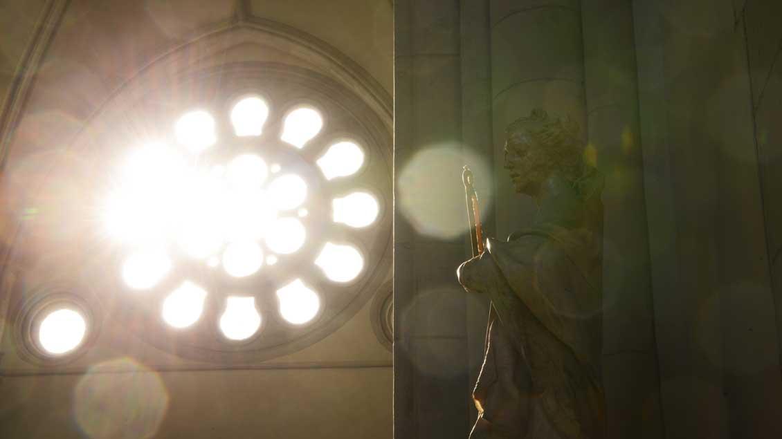 Sonnenstrahlen im Paulus-Dom in Münster.