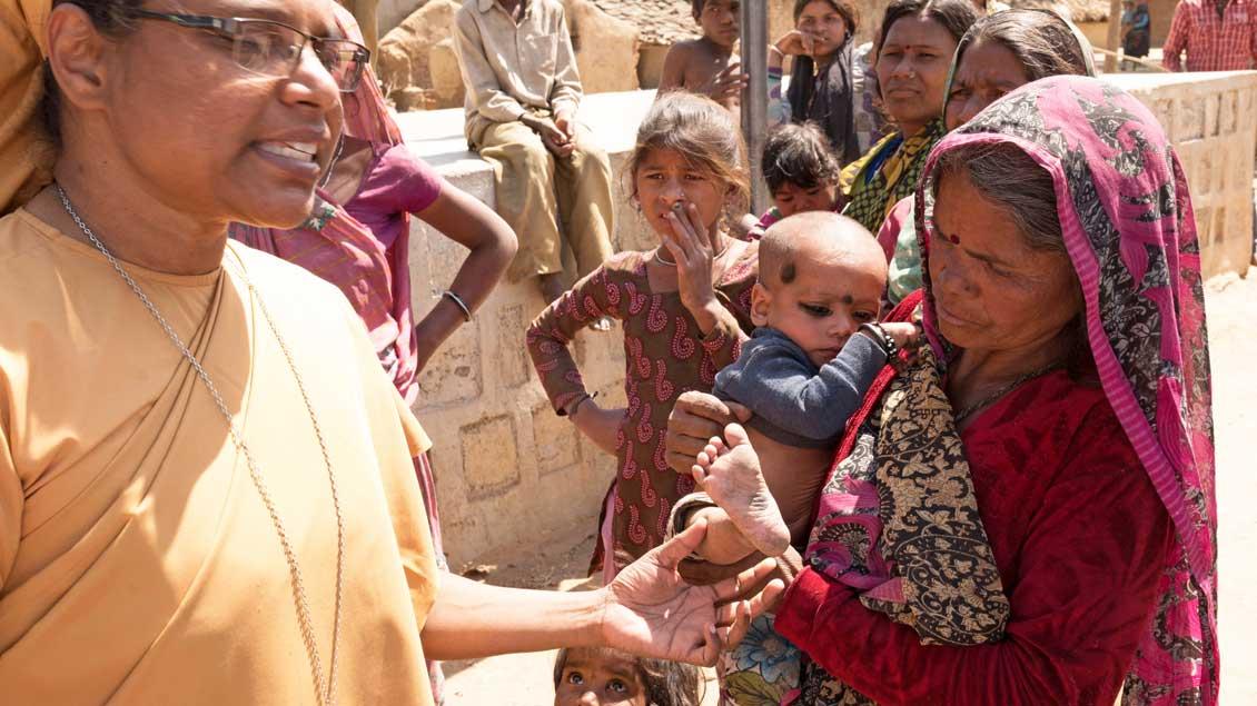 """Eine Gesundheitsstation der """"Dienerinnen der Armen"""" in Indien"""