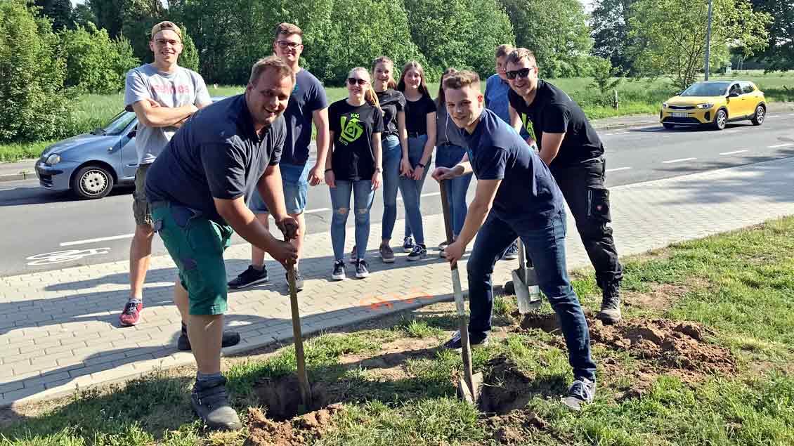 72-Stunden-Aktion: Mitfahrerbänke in Rheinberg