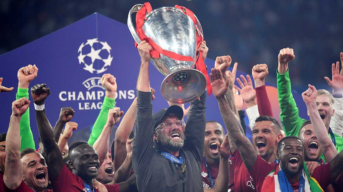 Jürgen Klopp mit dem Champions-League-Pokal