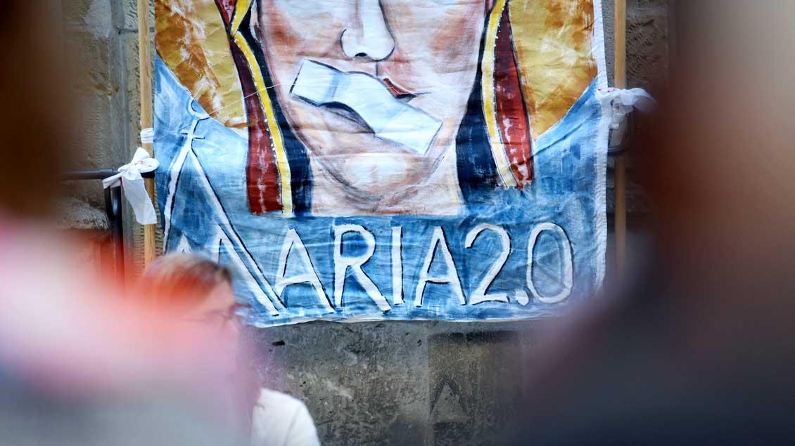 Plakat der Aktion Maria 2.0