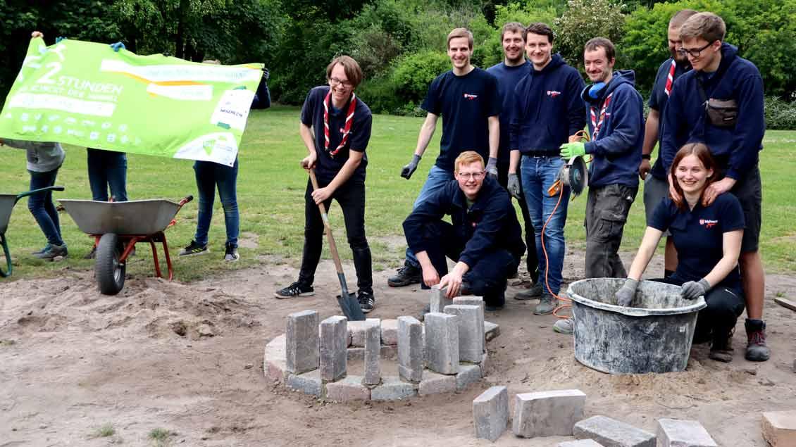 72-Stunden-Aktion: Feuerstellen für Jugendhof Vechta