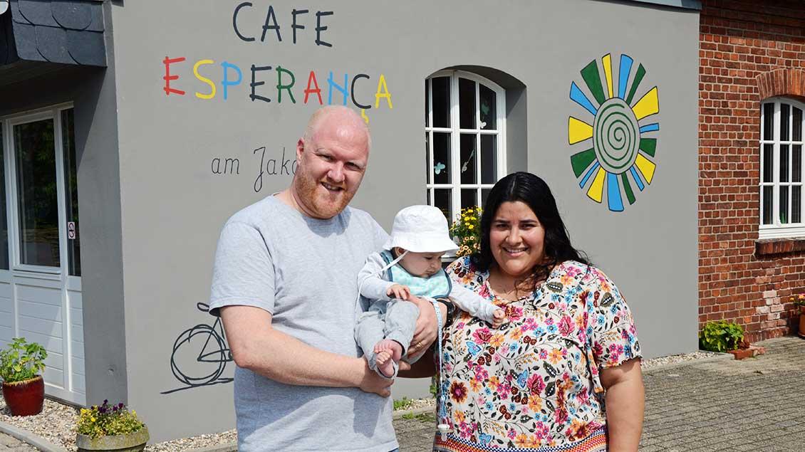Moritz Bucher mit Frau und Kind