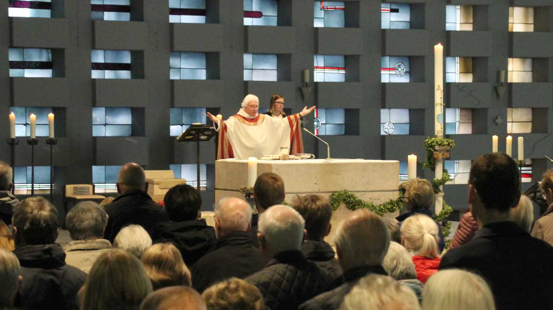 Eucharistiefeier in St. Mariä Himmelfahrt Ahaus. Foto: Martin Schmitz