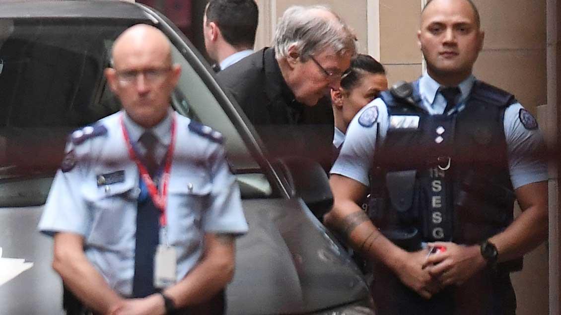 Kardinal George Pell bei seiner Ankunft am Gericht in Melbourne