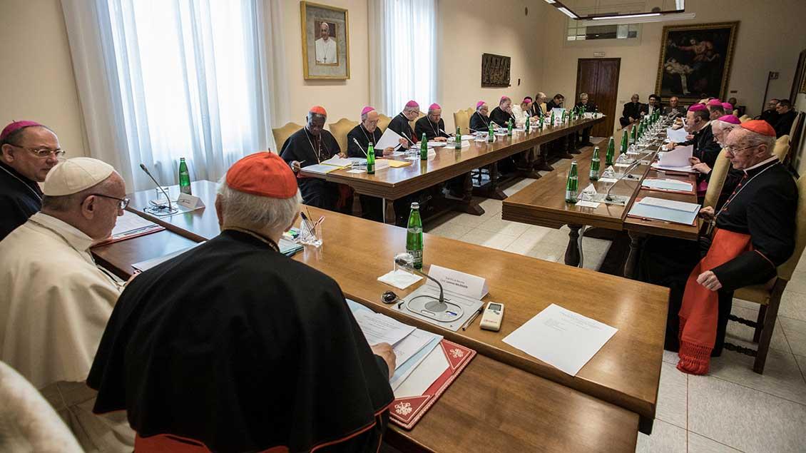 Vorbereitungstreffen zur Bischofssynode.