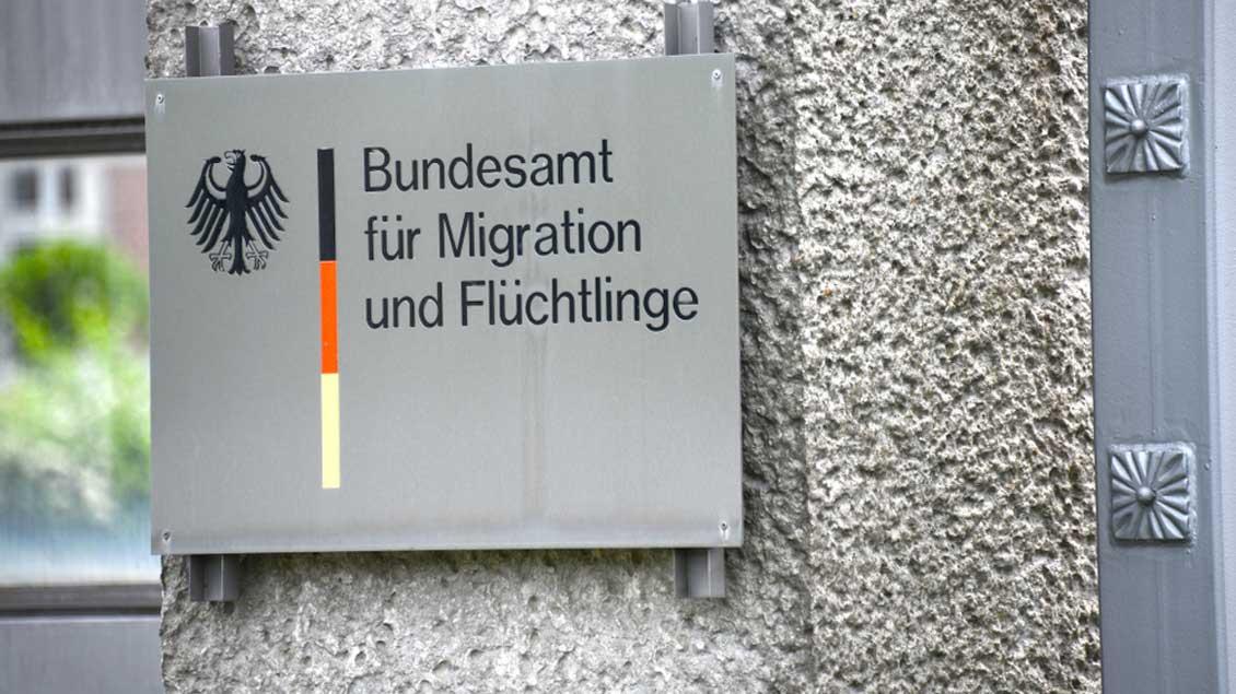 Schild des Bundesamts für Migration und Flüchtlinge