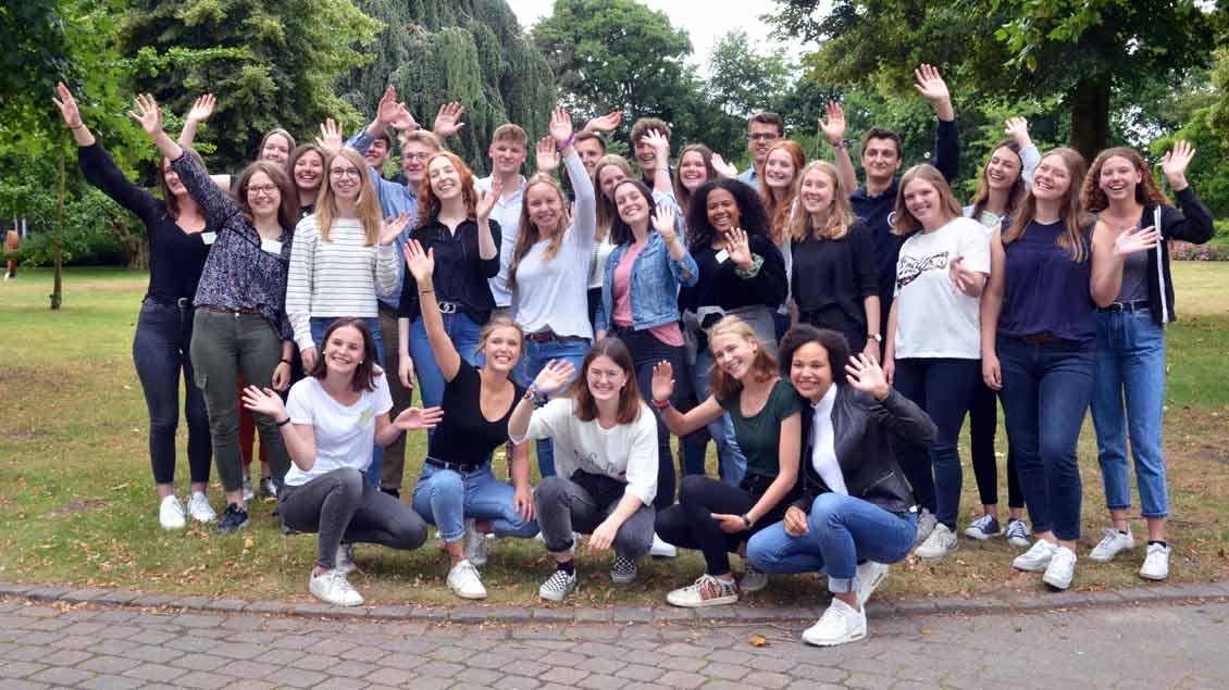 Gruppenfoto aller 29 Freiwilligen