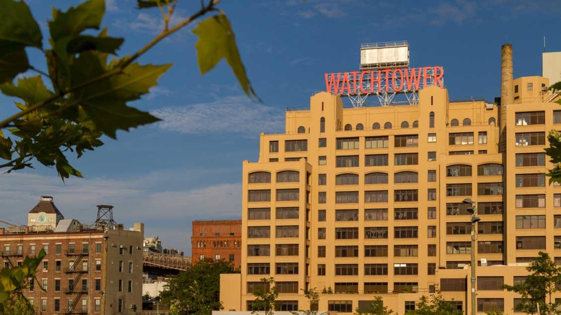 Eheamlige Weltzentrale der Zeugen Jehovas in New York