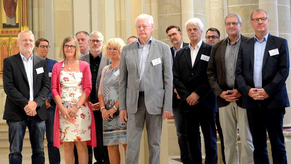 """Pfarrer Karl Döcker und Weihbischof Christoph Hegge lobten besonders das Engagement der Projektgruppe """"St. Andreas"""""""