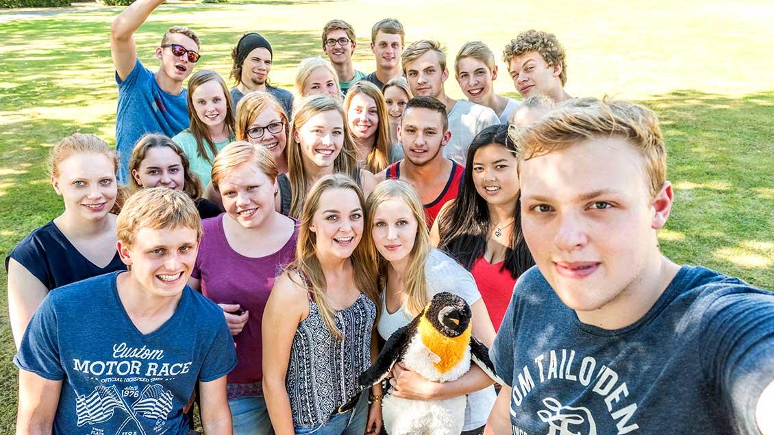 Gruppenbild von Jugendlichen im FSJ
