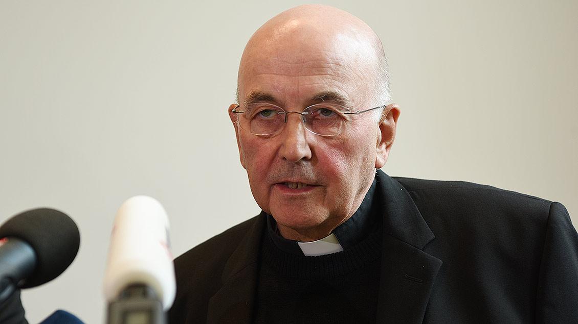Bischof Felix Genn bei der Stellungnahme