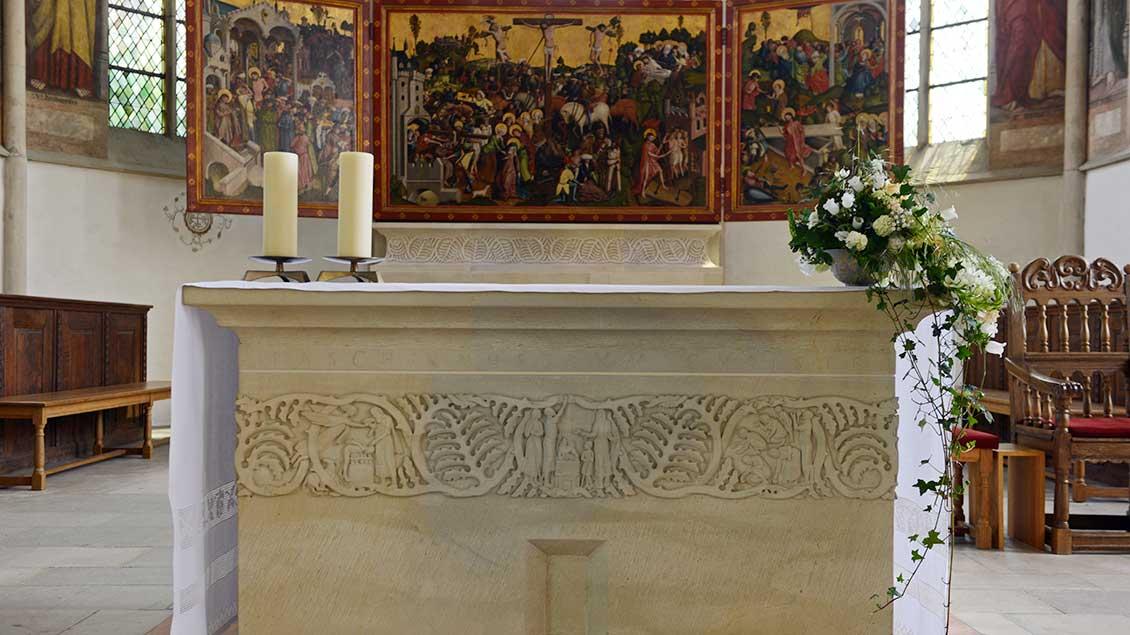 Leerer Altar