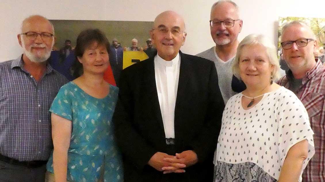 Bischof Felix Genn (3. v.l.) zu Besusch bei der Diözesanleitung der KAB (von links): Bernhard Kemper, Elisabeth Hönig, Michael Prinz, Brigitte Lehmann und Hermann Hölscheidt.