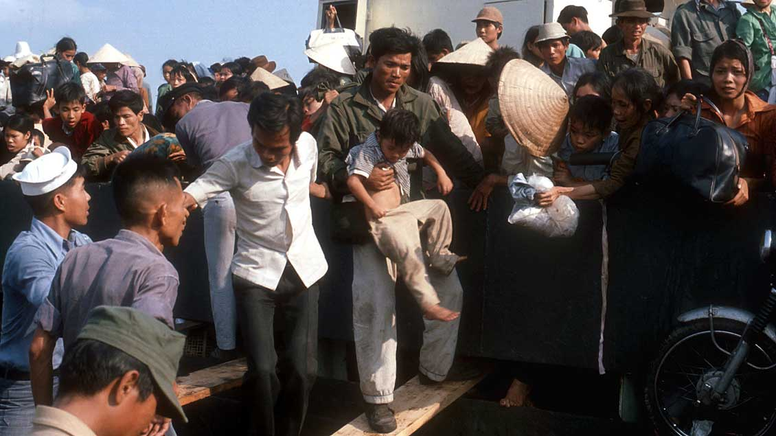 """Boat people"" in Saigon Archivfoto: Hans Knapp (KNA)"