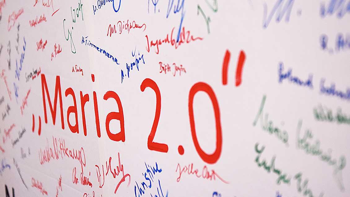 "Plakat der Aktion ""Maria 2.0"" Symbolfoto: Michael Bönte"