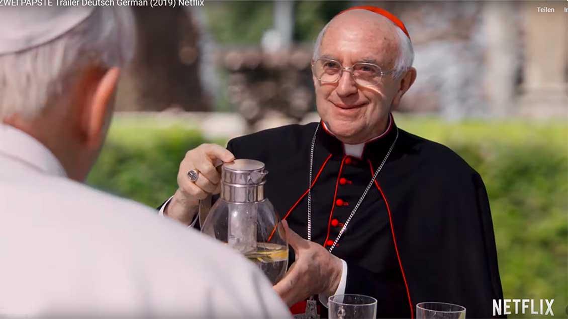 Anthony Hopkins (Benedikt XVI.) und Jonathan Pryce (Papst Franziskus)
