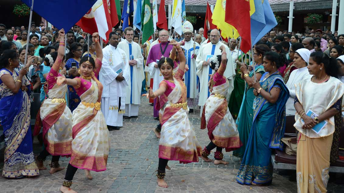 Tanz bei der Tamilenwallfahrt