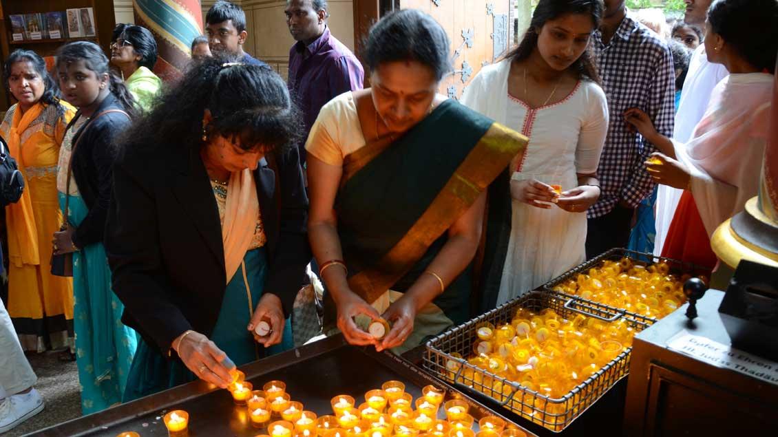 Tamilen in der Basilika in Kevelaer