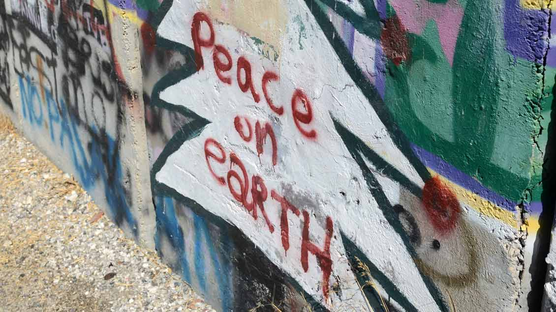"Graffito ""Peace"""