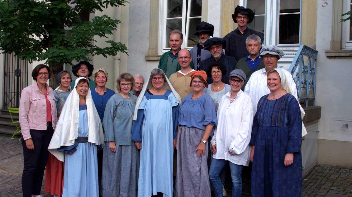 Chormitglieder in biblischen Kostümen. Foto: Marita Galka