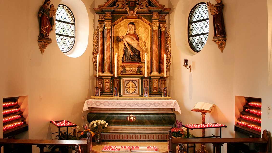 Die Gnadenkapelle mit der Darstellung der Schmerzhaften Muttergottes. | Foto: Michael Rottmann
