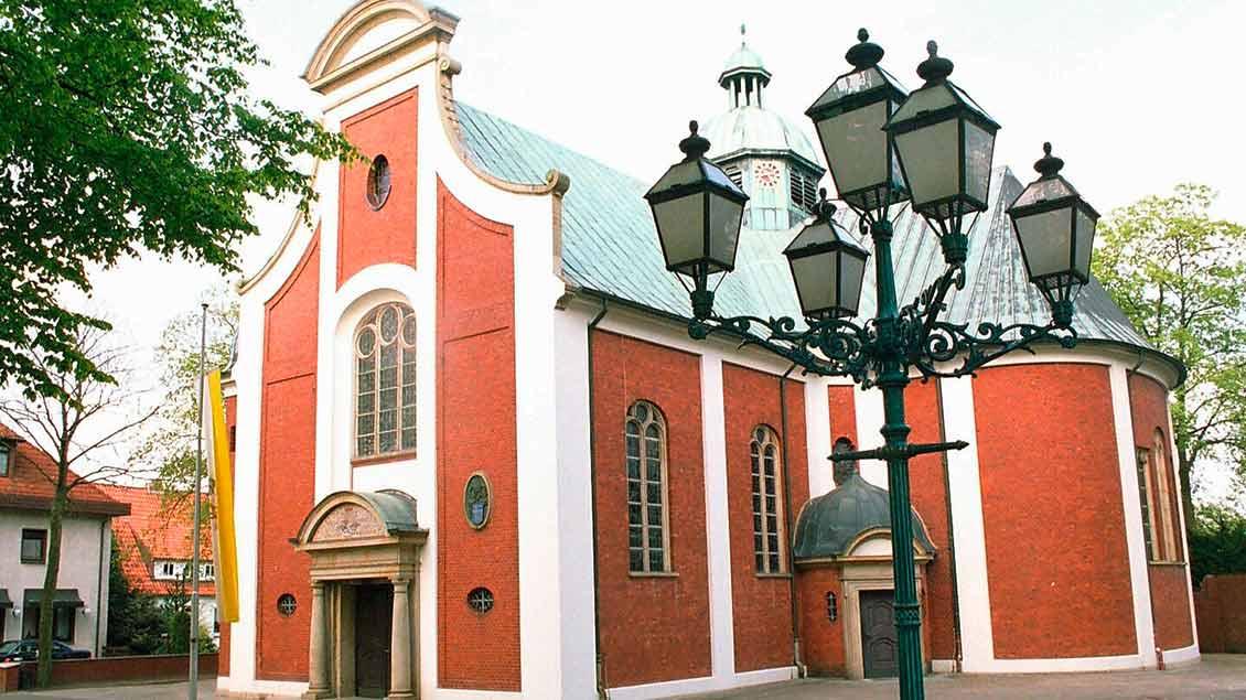 Die Wallfahrtsbasilika neben der Gnadenkapelle wurde 1929 geweiht. | Foto: Andreas Böhm
