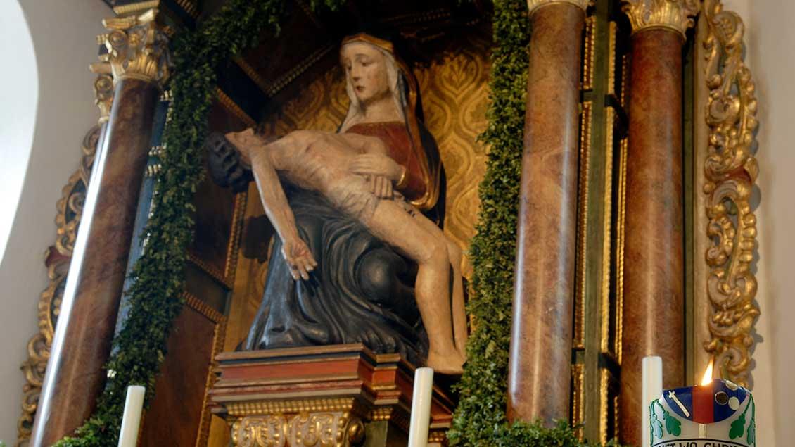 Das Gnadenbild in der Wallfahrtskapelle in Bethen entstand in der Zeit zwischen 1380 und 1400. | Foto: Michael Bönte