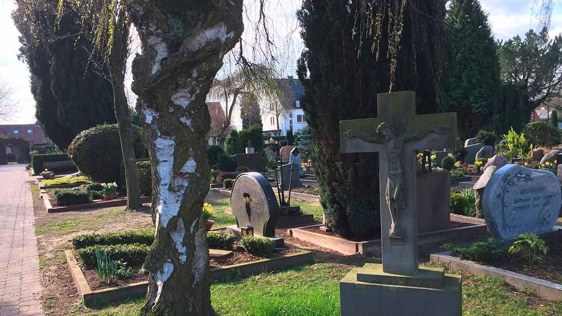 Blick auf einen Friedhof Symbol-Foto: Markus Nolte