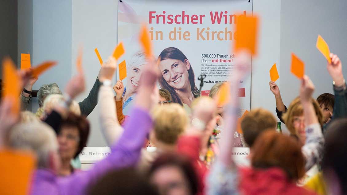 Abstimmung bei KFD-Versammlung
