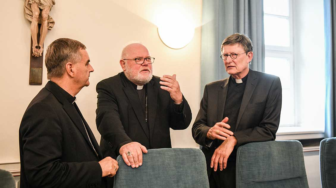 Nuntius Nikola Eterovic, Kardinal Reinhard Marx, Kardinal Rainer Maria Woelki Foto: Julia Steinbrecht (KNA)