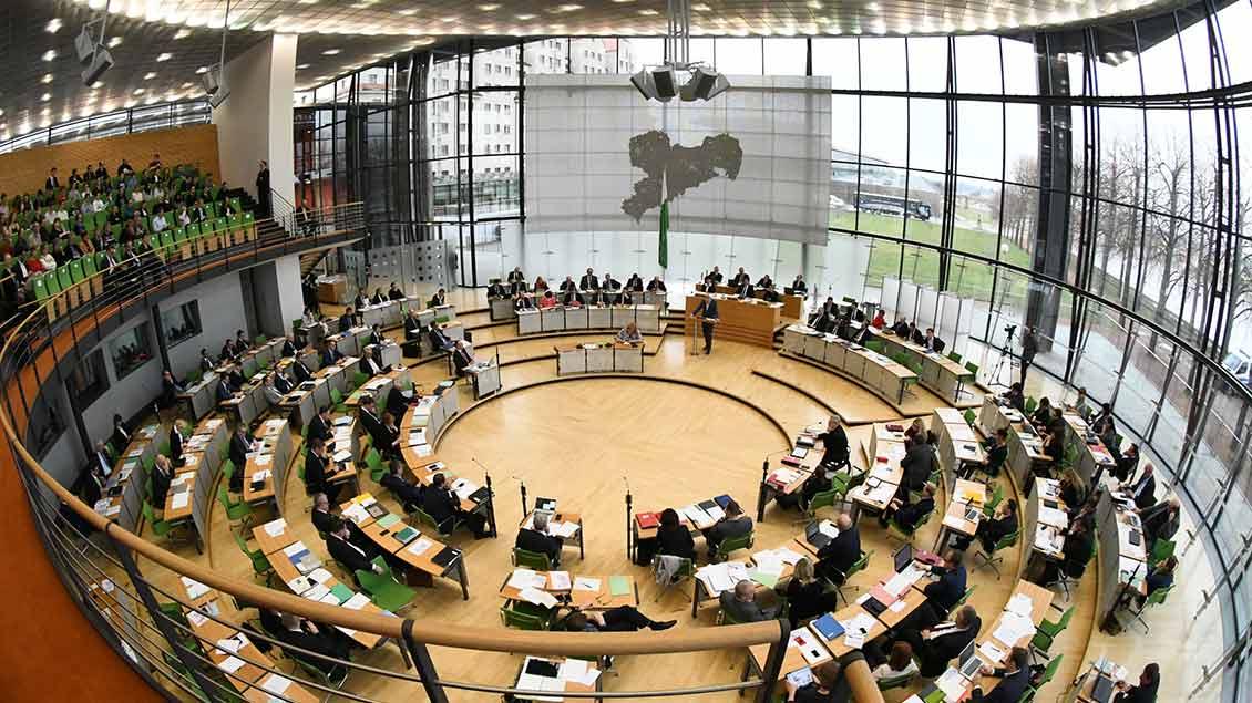 Blick in den Landtag von Sachsen in Dresden