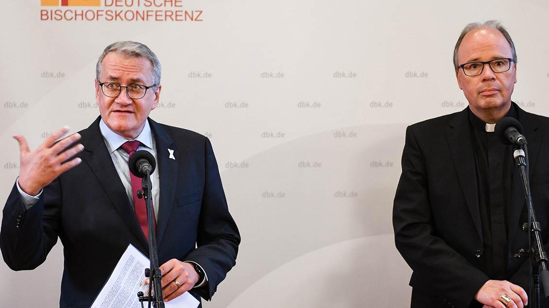 Matthias Katsch und Bischof Stephan Ackermann