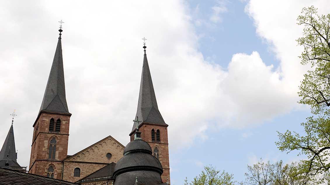 Die Türme des Trierer St.-Petrus-Doms.