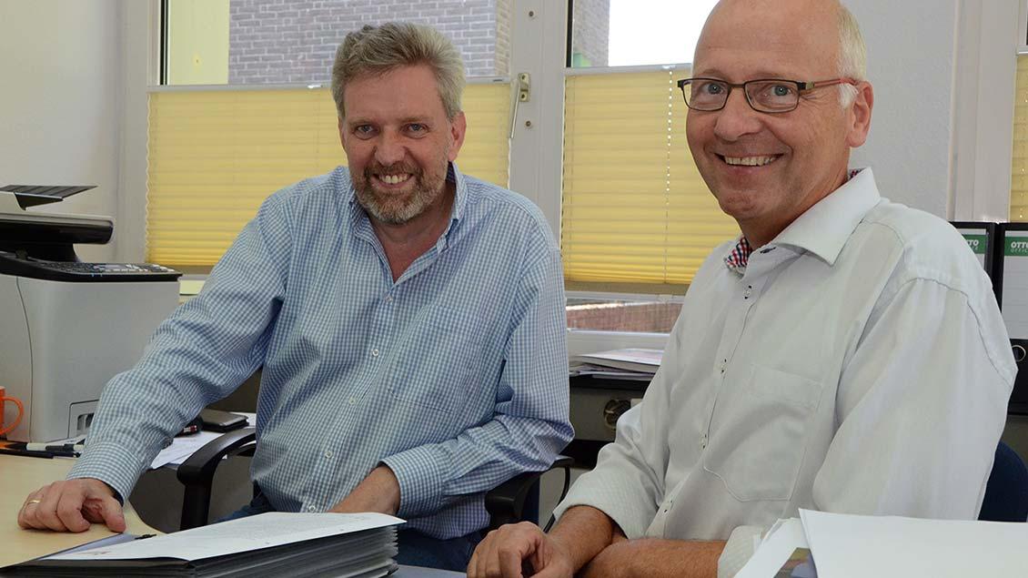 Verwaltungsleiter Josef Vossel (links) und Pfarrer Norbert Mertens