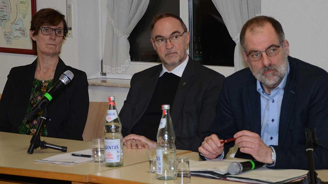 Ria Jansenberger, Weihbischof Rolf Lohmann, Peter Frings Foto: Jürgen Kappel