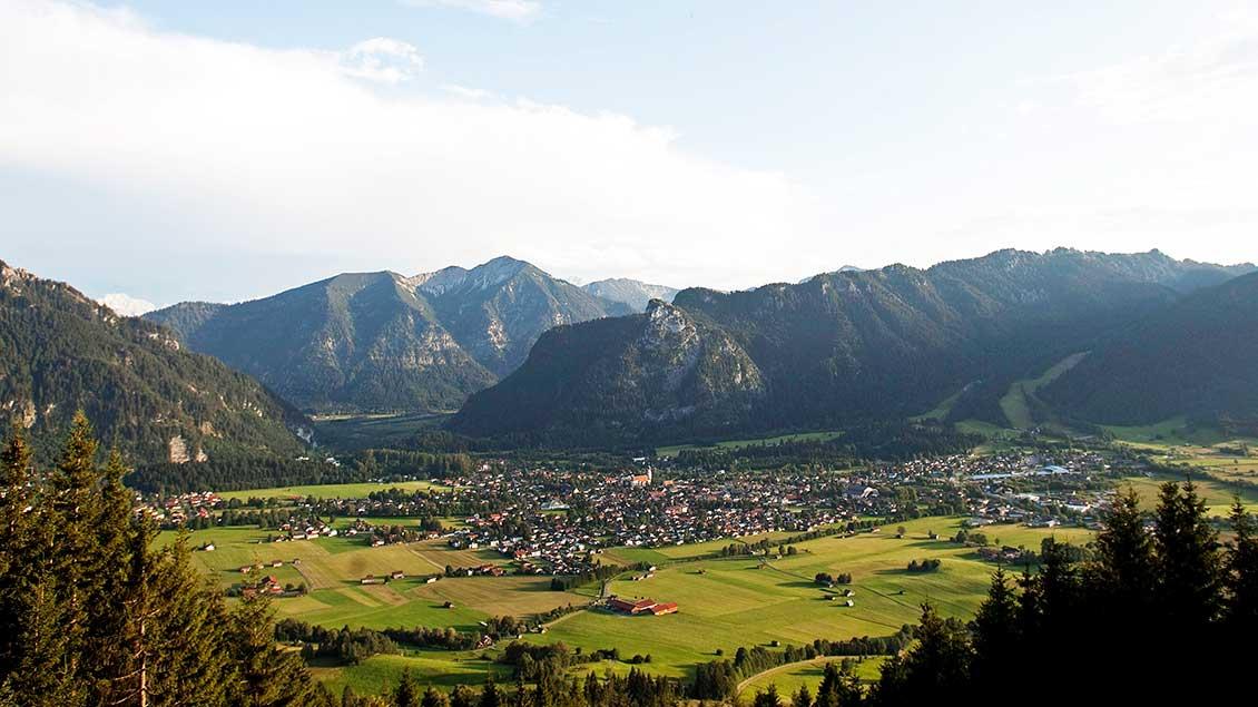 Seit einem Gelübde nach Bewahrung vor der Pest 1634 finden die Passionsspiele von Oberammergau für gewöhnlich alle zehn Jahre statt.