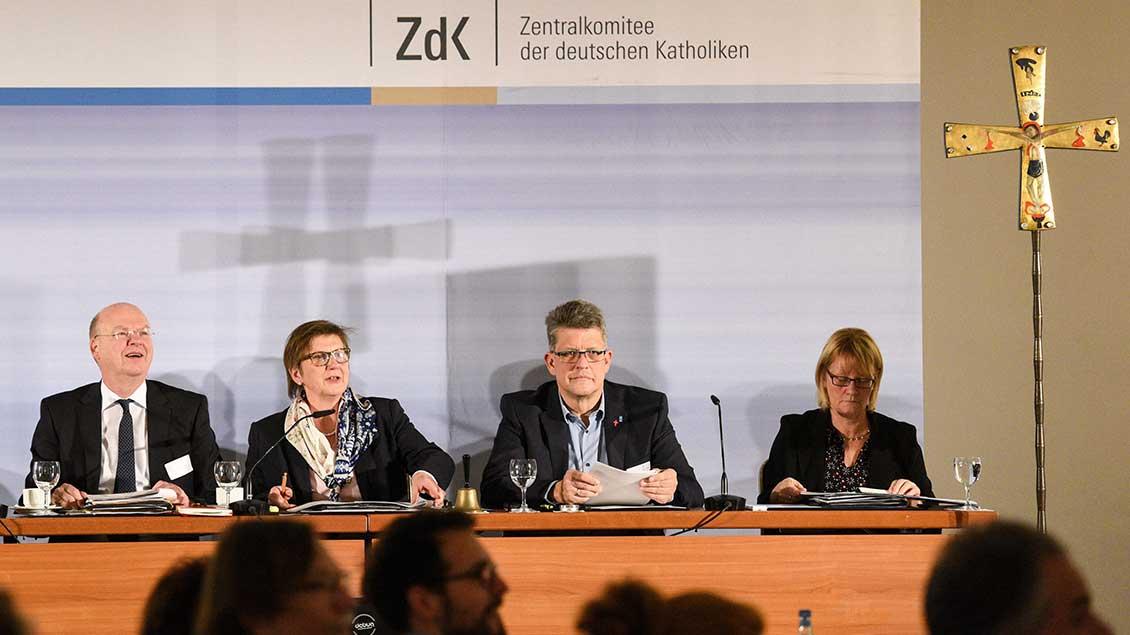 Der scheidende Generalsekretär Stefan Vesper und die Vizepräsidenten Claudia Lücking-Michel, Wolfgang Klose und Karin Kortmann.