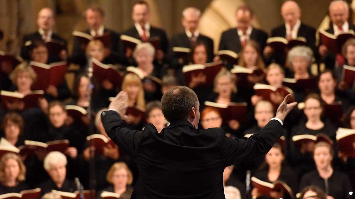 Ein Chor singt