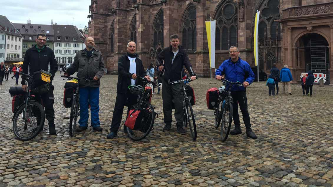 Die fünf Baumeister vor dem Straßburger Münster
