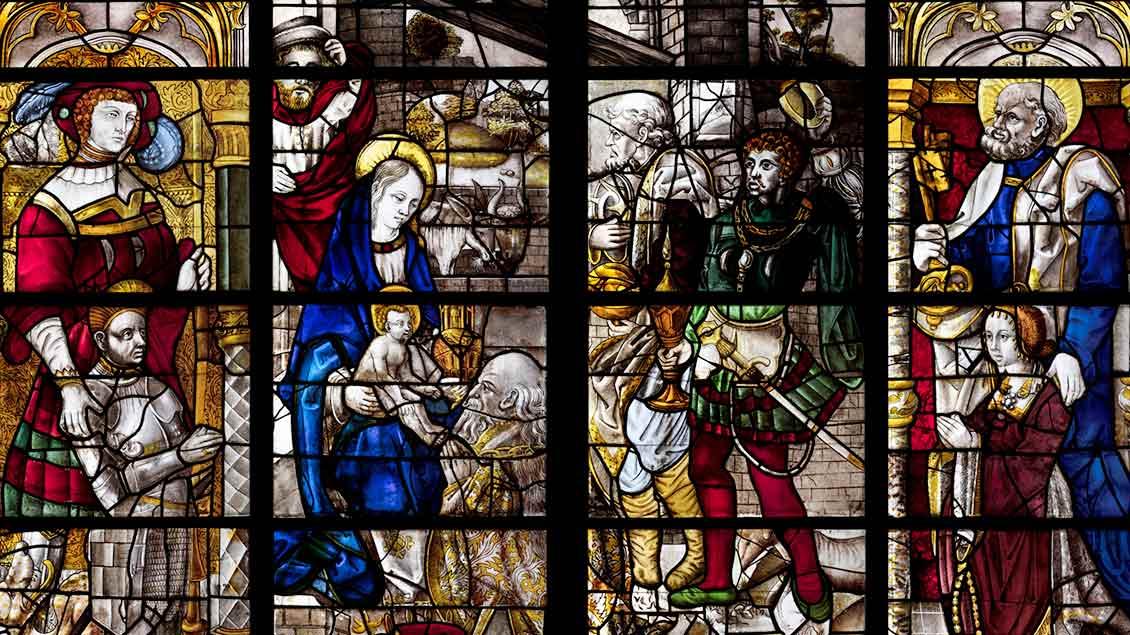 Xantener Domfenster mit Krippendarstellung.