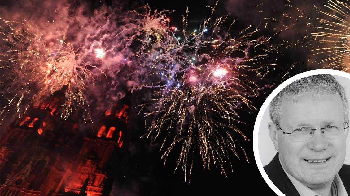 Chefredakteur Christof Haverkamp, Feuerwerk über einer Kirche