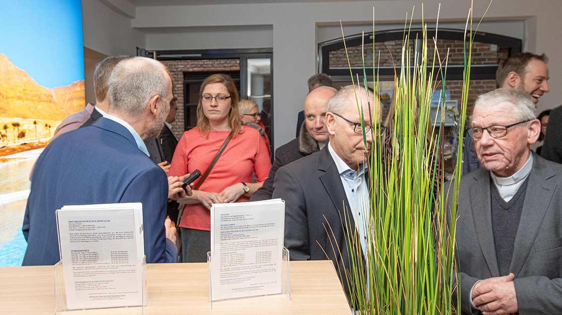 Zu den Gästen gehörte unter anderem die Vorsitzende des Diözesankomitees im Bistum Münster, Kerstin Stegemann, und Weihbischof em. Dieter Geerlings (ganz rechts).