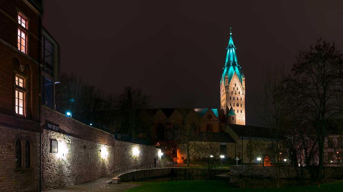 Dom von Paderborn bei Nacht