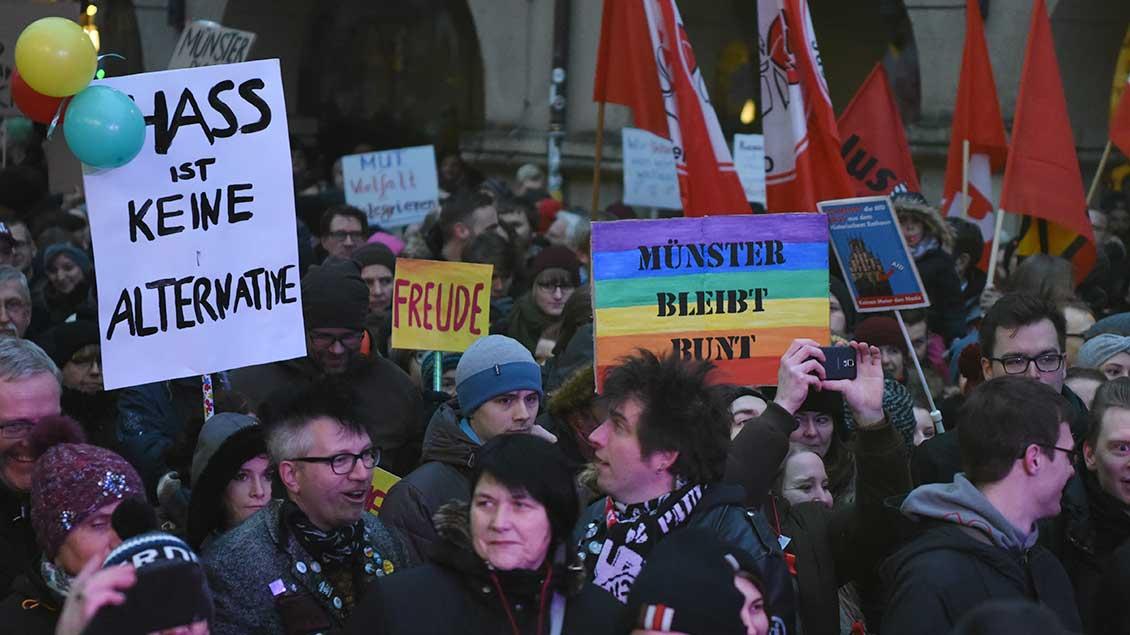 "Demo ""Münster bleibt bunt"""