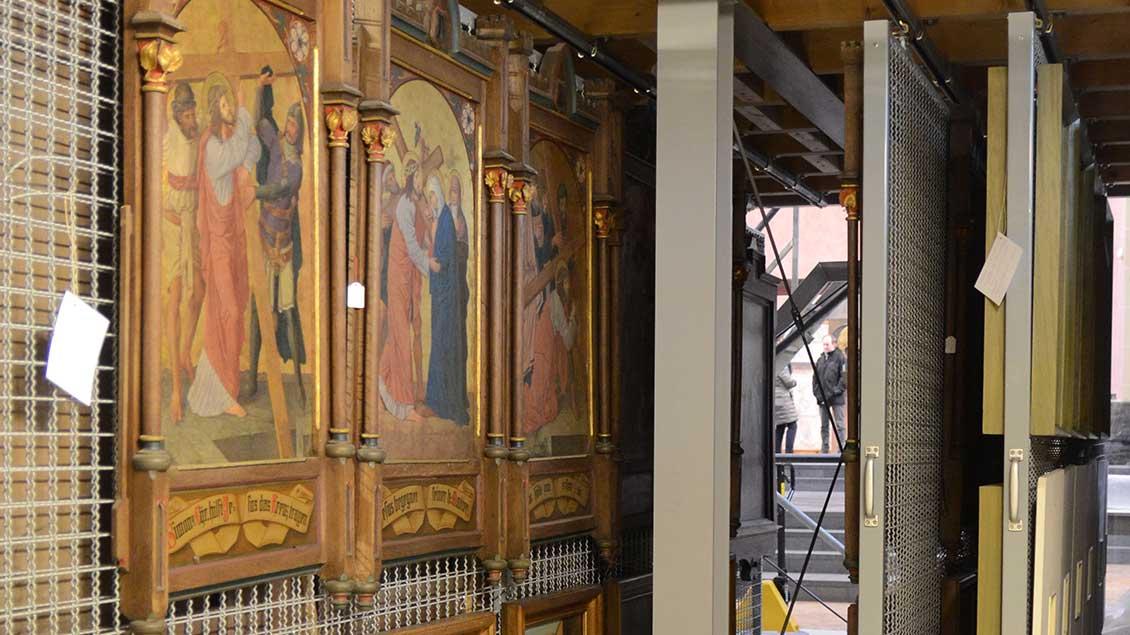 Kreuzwege aus geschlossenen Kirchen im Bistum Münster.   Foto: Ann-Christin Ladermann (pbm)